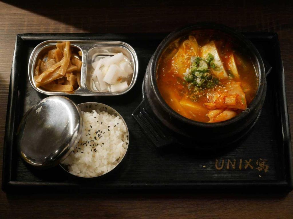 台中-UNIXx寓複合式餐酒館| 甜夜豆腐鍋套餐
